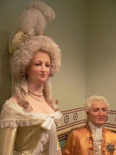 Marie-Antoinette et sa beauté Marie-Antoinette-and-Louis-XVI-at-Madame-Tussauds-Mharrschs-Photo-Stream