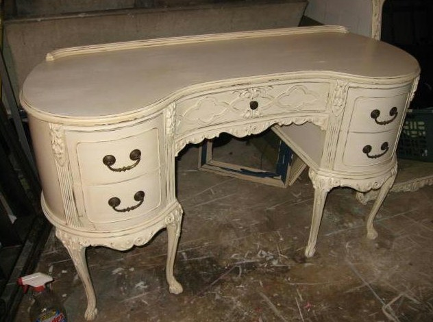 A Gorgeous French Provincial Style Cream Dressing Table Free Standing Three Fold Mirror And Small Stool