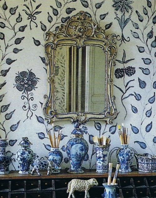 French Style Decorating Free Painted By Lillian From World Of Interiors April 94 From Trouvais Blog  500x631 Swedish Furniture Painting: Furniture & Wall Stencils
