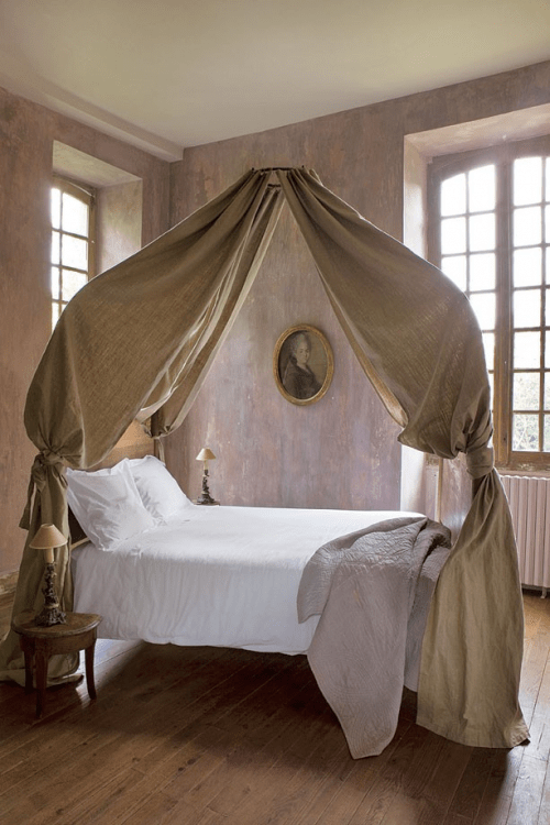 Linen Decorating Ideas For Your French Provincial Home