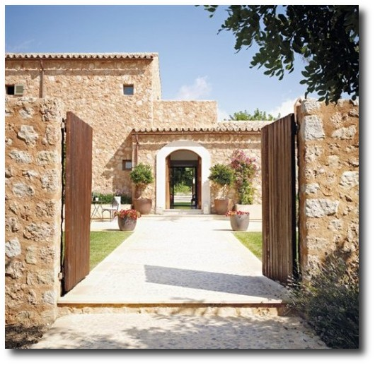 Decorating with stone for an old world french provence look for Provence homes