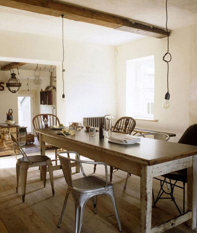 Tolix Chairs From Decoracion Facilisimo