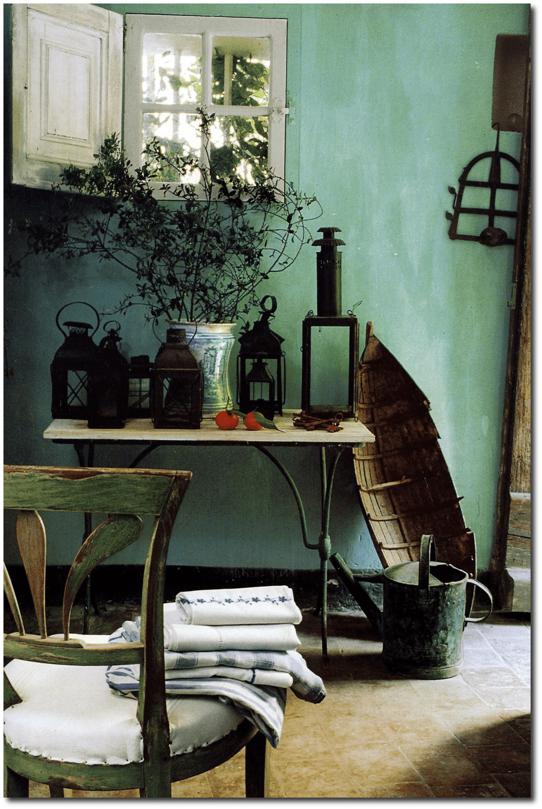 Frederic mechiche 39 s house3 for How to paint a wall with chalk paint