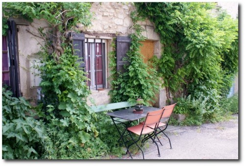 Stone village house for sale near Apt en Provence