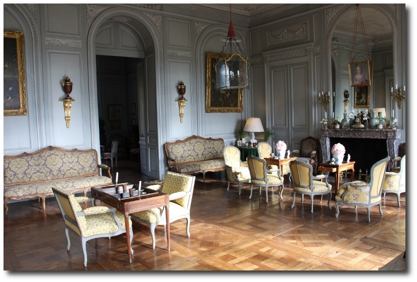 Great french provincial design is a philosophy more than a for French chateau style decor