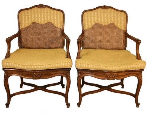 Vtg Pair French Louis XV Style Shell Carved Stretcher Bergere Open Arm Chairs