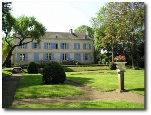 Château de Pintray Bed and Breakfast near Saint-Martin-le-Beau